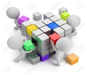 4 personnages assemblant un cube géant